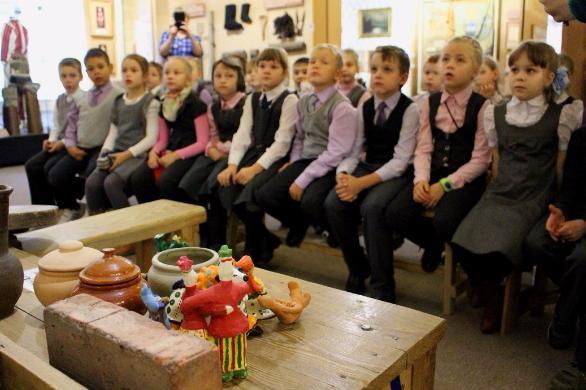 В дни летних каникул Тольяттинский краеведческий музей приглашает школьные площадки на программу «Каникулы в музее»