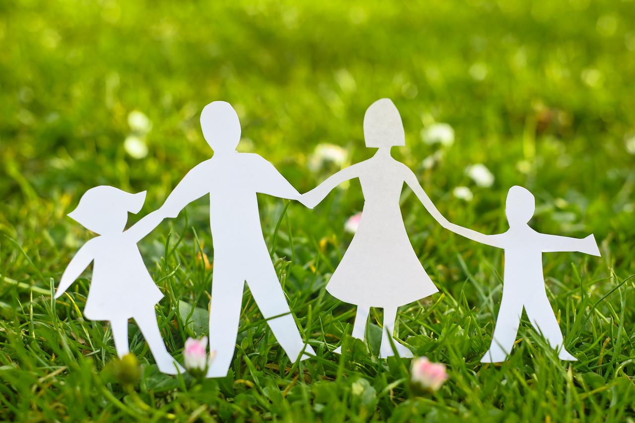 term paper on family There are some crucial ideas that can help you to compose a great term project about broken families this article help s to become familiar with them.