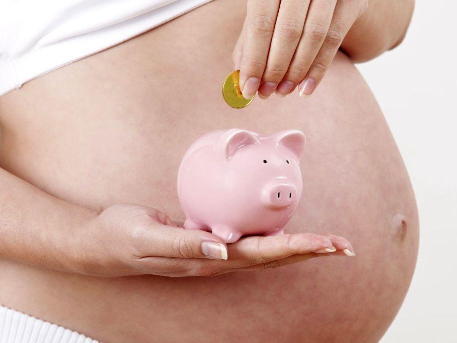 Выплаты работающей и неработающей беременной