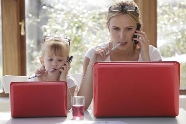 Работа на дому для девушки с детьми веб девушка модель peach